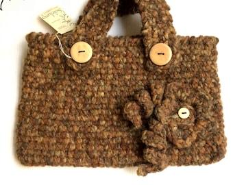 LAURASOLELUNA-hand-knitted wool handbag