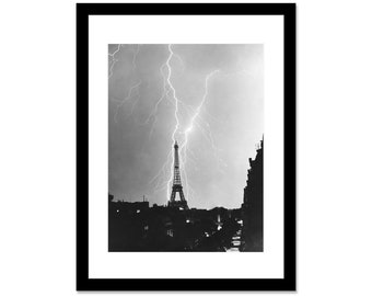 Black and white photo by lightning in 1937 in Paris Eiffel Tower