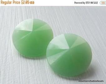 50% OFF Clearance 2 Matubo Crystal Rivoli 14mm Green Alabaster