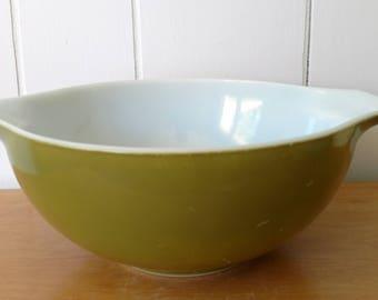 vintage Pyrex 443 green cinderella bowl 2 1/2 quart