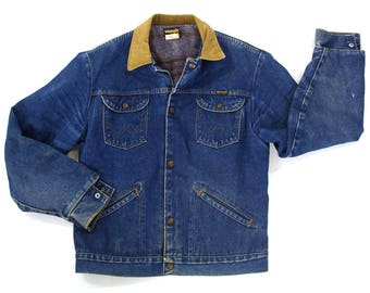 70s Wrangler Blanket Lined Denim Jacket / Vintage 1970s Trucker Jacket with Striped Lining / Worn In Barn Coat Jean Jacket USA Made M L