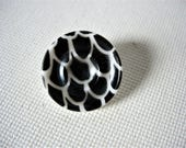 Lovely and Rarer Vintage/Antique Glass Button