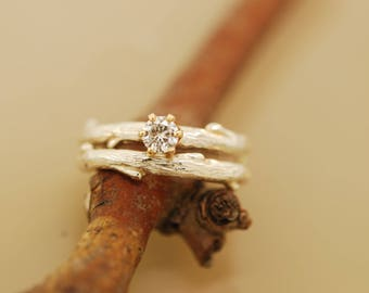 Budding  Branch Band with 4 mm Moissanite