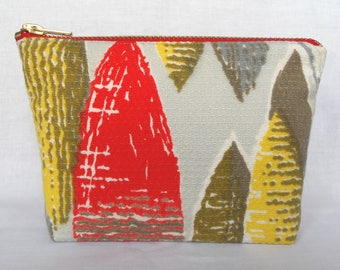 Vintage Fabric Purse Make Up Bag 1950's Bark cloth Red, Grey Yellow, Fifties Retro Zip Pouch.