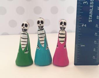 3 Clay Small Tiny Miniature Dia De Los Muertos* Day of the Dead *Girl Skeleton Skull Small Clay Figurines Dolls for Shrine Nicho Mini