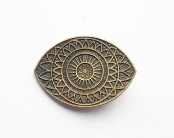 Evil eye hair clip malocchio Italy bronze barrette retro curse protection vintage style hair accessory witch superstition Italian brass envy