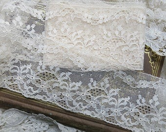 Vintage Wide French Tulle Mesh Lace, Gentle Scallop, Floral, Flower ... Antique edging lace yardage trim, fine cotton ... LY170611
