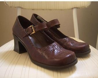 30% MOVING SALE 90s Chunky heel Mary Janes / oxblood burgundy chunky heels / womens 7.5 M