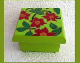 Poinsettia Trinket Box, Jewelry Box, Jewelry Organizer, Hand Painted, wood Jewelry Box Handmade, Floral Design,  Gift, Keepsake Jewelry Box