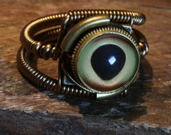 Steampunk ring, Dolphin eyeball ring, Taxidermy glass eye, Antique bronze, hand-painted glass eye, Dolphin eye, Steampunk Jewelry