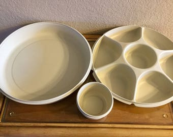 Vintage Tupperware Vegetable and Dip Tray Keeper, Excellant Condition