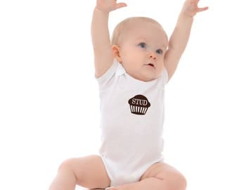 Baby tshirt - Stud Muffin - shower gift - infant clothes - snap tshirt