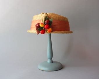 1950s Hat / Vintage 50s Golden Straw Hat / 1950s Straw Hat with Cherries and Bow Band