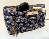 Quilted Purse Organizer Insert With Enclosed Bottom Large - Navy and White Paisley