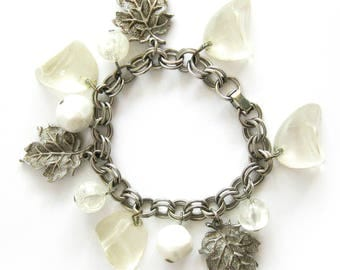 Fall Fashion / Silver Charm Bracelet with Brushed Silver Leaves, White Beads and Clear Lucite / Vintage Jewelry / Dangling Beads and Leaves