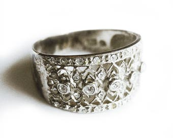 Vintage Ring Sterling Silver Dainty Filigree Jeweled Faux Diamond Ring / Size 7