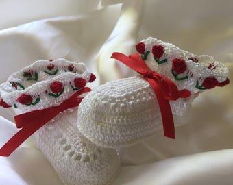 Crochet baby booties, baby girl booties, christening booties, heirloom booties, baby booties, photo prop booties, newborn booties, booties