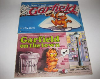 Garfield the Cat Comic Lot (2) Jim Davis 1980's For TV