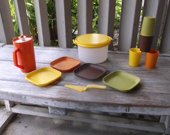 Tupperware Toys 12 piece Dish Set