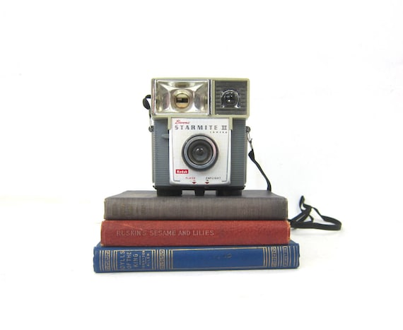 vintage Kodak Brownie Starmite II Camera with Box for display Prop Mod Retro Book Shelf Decor Photography Photo Pictures