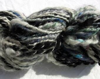 "152gr/79m hand spun yarn ""bland í poka"""