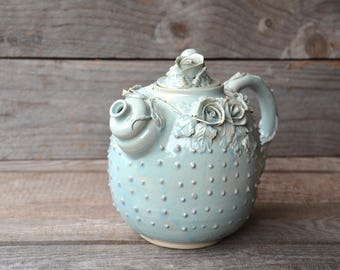Alice in Wonderland Teapot with dots -  Stoneware teapot with roses in light blue granitic glaze
