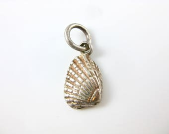 Vintage Sterling Silver Clam Shell Charm