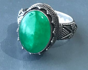 Vintage Cocktail  Ring .  Middle Eastern . Sterling Silver . Spinach green Jade jadeite Jewelry