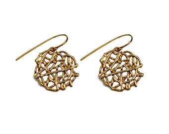 Lace disk dangly earrings gold plated silver – birthday present – anniversary gift – wedding jewelry – Valentines gift