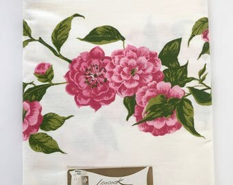 Vintage Tablecloth Leacock Prints Camellia Pink Flowers Card Table Linen Square Table Cloth NOS New Old Stock