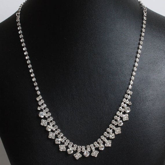 Rhinestone Choker Necklace Princess Style 18 Inches Chatons Silver Tone Vintage