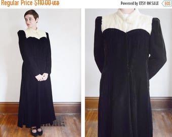 Summer Sale - 1930s Black Velvet Coat with Rabbit Fur Collar - M