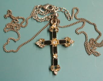 Vintage 1950s silvercolor metal/ black enamel Cross pendant necklace with adjustable metal chain, lobster clasp and 14 faceted rhinestones