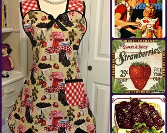 Farmhouse style woman's scalloped apron