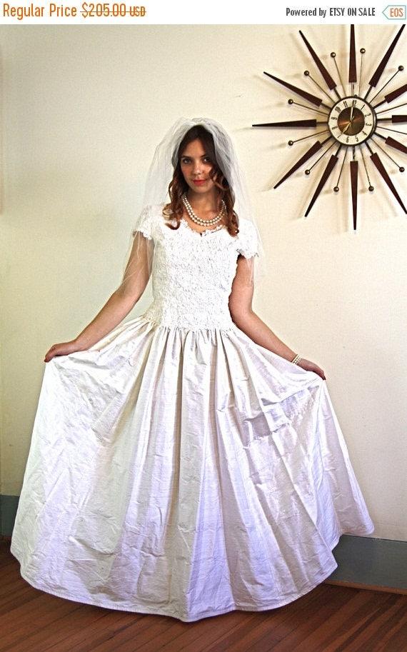 SALE 50% OFF Vintage 60s Modest Wedding Dress Ivory Chantilly Lace Short Cap Sleeve Full Skirt Off White Silk Retro 1960s Sweetheart Bridal