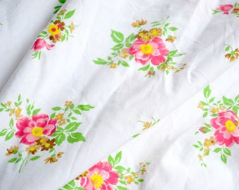 Vintage Bed Sheet - Pink Flowers on White - Cannon Monticello Twin Fitted