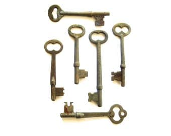 6 Vintage skeleton keys Real keys Antique skeleton key Old skeleton keys Old Skelton Vintage old keys Antique rusty keys Old bit keys #2