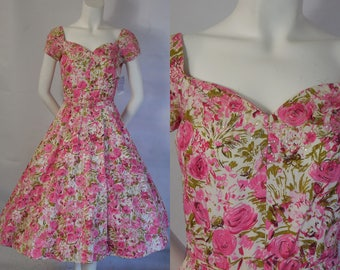 1950 Gorgeous Jerry Gilden Cotton with Pink Roses and Opalescent Sequins Original Belt