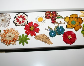 Large Lot of Broken Vintage Brooches - for Craft or Repair