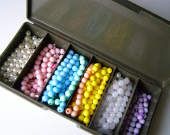Vintage Pop Beads with Case, 1980s Beads, Snap Beads