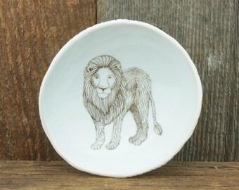 Lion Woodgrain Dish by SKT Ceramics. Hand built porcelain dish, jewelry dish, olive oil dish, tapas dish by SKT Ceramics