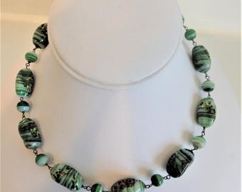 ON SALE Pretty Vintage Green Art Glass Beaded Necklace