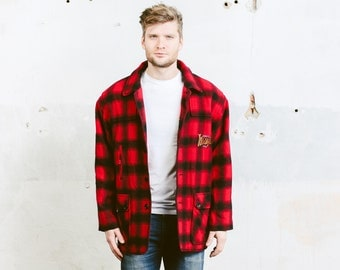 Men Vintage Mackinaw Jacket . Buffalo Plaid Cruiser Coat 90s Wool Blend Red Black Camping Lumberjack Coat Mountain Outerwear . size Medium M