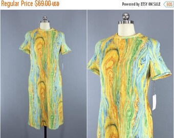 SALE - Vintage 1960s Dress / Sweater Dress / Yellow Aqua Psychedelic Swirl Knit Dress / 60s Day Dress / Leslie Fay / Size Medium M