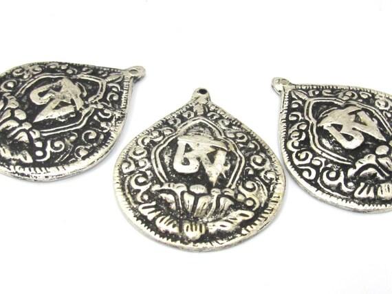 3 Pendants set  - Tibetan silver Om mantra lotus flower pendant from Nepal - CP110s
