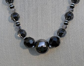 Black and Silver Metallic Necklace