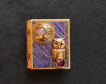 Owl and New Moon - miniature book pin