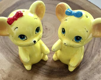 Sweet Pair of Yellow Mice With Hair Bows Salt & Pepper Shakers