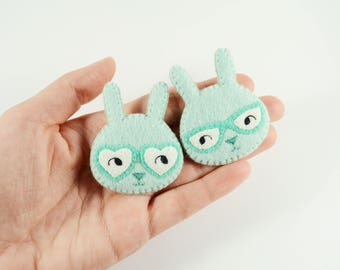 Couple Bunnies Felt Brooch / Couple Brooch / Romantic Felt Rabbit Pin / Felt Rabbit Brooch / Cute Rabbit With Glasses Pin / Icy Mint Bunny