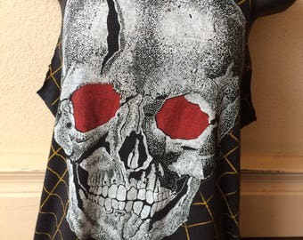 Scary Skull 'n' Spider shirt size small thin